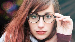 การใส่และถอดแว่นตาแบบถูกวิธี - วิธีดูแลรักษาแว่นตา