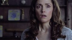 เป็นแม่สู้กับผีใน Insidious เป็นเมียบ๊องบวมใน Neighbors หลากบทหฤหรรษ์ของ โรส เบิร์น