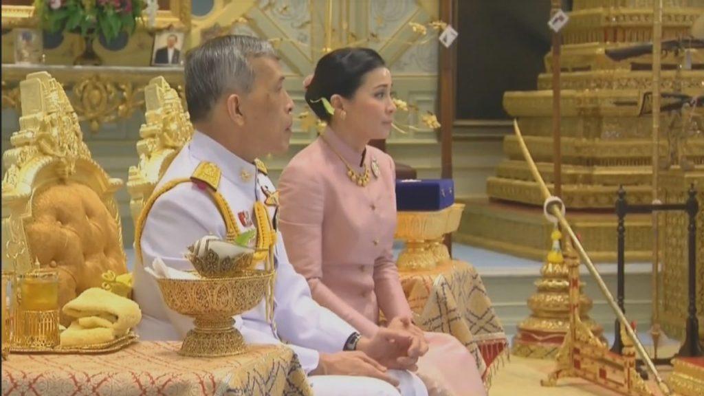 """""""ราชาภิเษกสมรส"""" สมเด็จพระเจ้าอยู่หัว สมเด็จพระราชินีสุทิดา"""