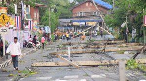 สีคิ้วอ่วม พายุฤดูร้อนพัดถล่ม ทำบ้านเรือนไทยพังทั้งหลัง แนะหาทางรับมือ