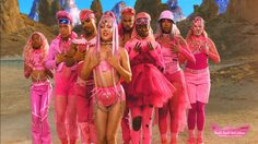 """Lady Gaga"" กลับมากับลุคไซเบอร์พังค์สุดแฟนตาซี ใน MV เพลงใหม่ ""Stupid Love"""