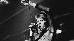 """""""เดวิด โบวี่"""" นักร้องดังในตำนาน เสียชีวิตเเล้ว ในวัย69ปี"""