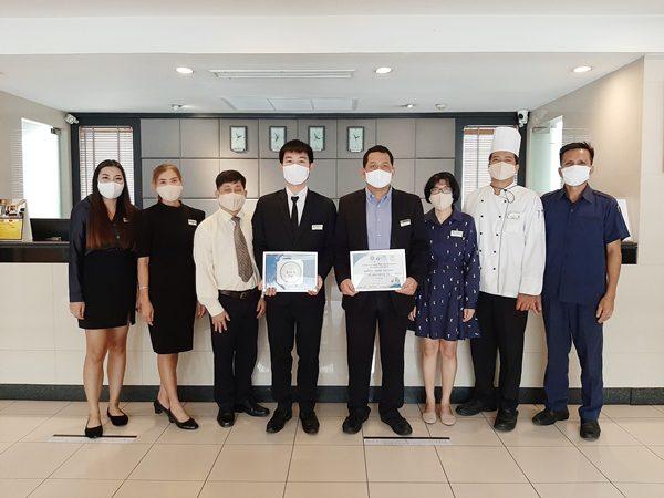 """โรงแรมแคนทารี เฮ้าส์ กรุงเทพฯ ตอกย้ำความปลอดภัยด้าสุขอนามัย  ด้วยมาตรฐานตราสัญลักษณ์ """"SHA"""" และ Thai Stop COVID-19"""