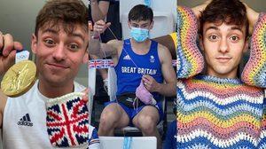 Tom Daley นักกีฬากระโดดน้ำสหราชอาณาจักร ถักนิตติ้งระหว่างนั่งเชียร์แข่งขัน