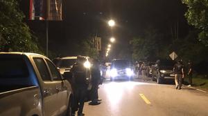 ทหาร-ตำรวจ ร่วมคุมตัวผู้ต้องสงสัย 12 ราย ยิงถล่มป้อม ชรบ.ยะลา