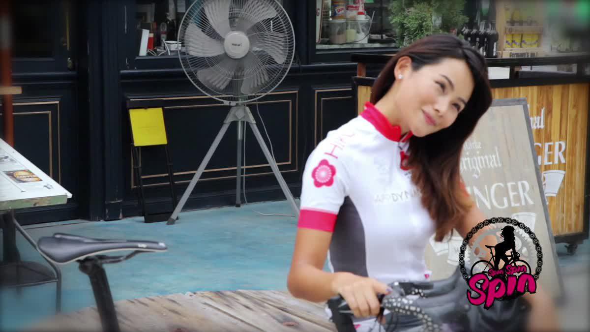 Spin Spin ป๋อมแป๋ม อังคณา วงษ์พัฒนสิริกุล สาวนักปั่นจากทีม BG สวยปิ๊งจับใจ Issue 85