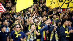 VIDEO : มิตรภาพลูกหนัง! อุลตร้ามาลายาร้องเพลง 'สวัสดีไทยแลนด์'