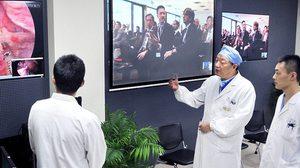 ก้าวไปอีกขั้น! แพทย์จีนทำการผ่าตัดสมองทางไกล ได้สำเร็จเป็นครั้งแรก