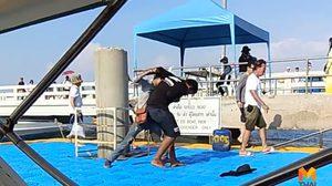 นักท่องเที่ยวแห่มุง 2 หนุ่มซัดกันนัว อาศัยโป๊ะท่าเรือแหลมบาลีฮาเป็นเวทีมวยชั่วคราว