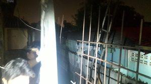 หนุ่มพลาดท่าโดดตึกสูง 4 ชั้น ตกลงมาถูกเหล็กแหลมเสียบขาทะลุเอว เจ็บสาหัส