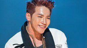 จุนเค 2PM ข้อศอก-นิ้วหัก! หลังตกเวทีสูง 3 เมตรขณะแสดงคอนเสิร์ต!!