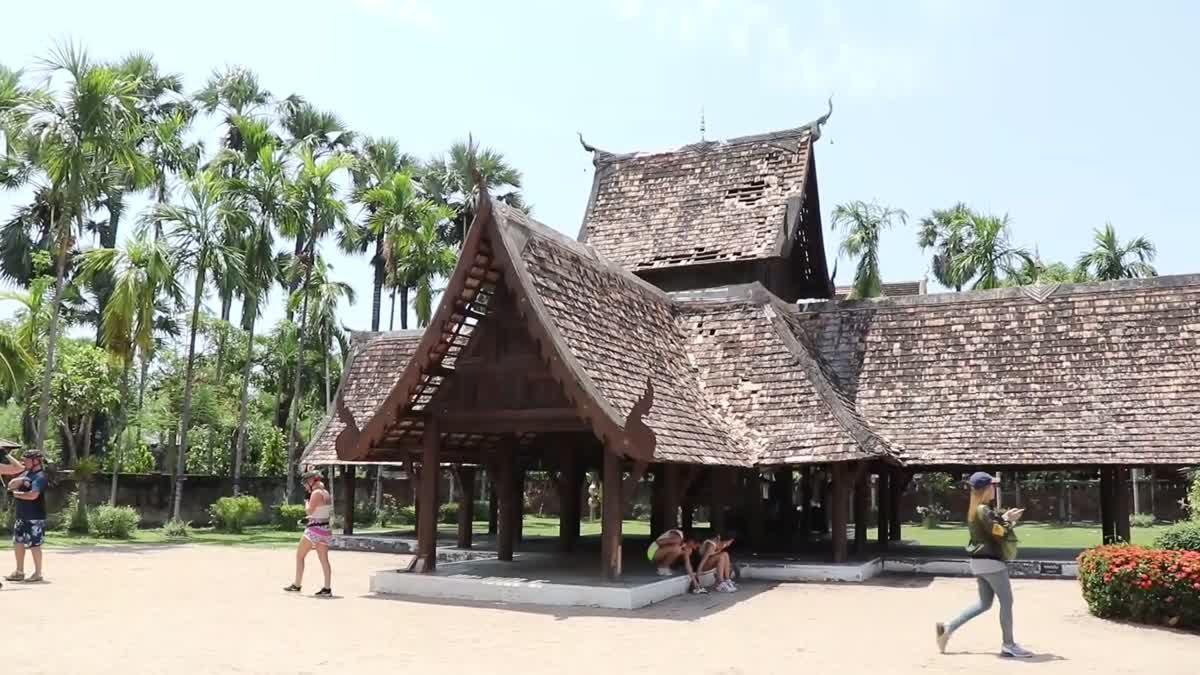 เร่งบูรณะหลังคามณฑปจตุรมุข - วิหารคด อายุกว่า 150 ปี