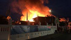 ไฟไหม้ชุมชนภายในซอยเพชรเกษม 4 เสียหาย 16 หลัง
