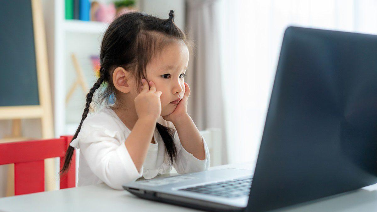 หมอประเสริฐ ฝากคำถามชวนคิดให้คุณพ่อคุณแม่ เด็กอนุบาลเรียนออนไลน์ ได้อะไร?