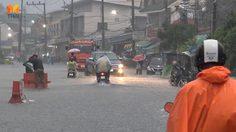 น้ำท่วมถนนหลายสายในเขตเทศบาลนครสงขลา หลังเกิดฝนตกหนัก