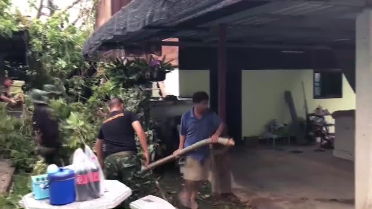 พายุถล่มแม่ริม! เสียหายหนักหลายตำบล เต้นท์ทหารพังราบ