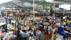 5 อันดับ ตลาดนัดกลางวัน ในกรุงเทพฯ แอบนายมาช้อปปิ้ง