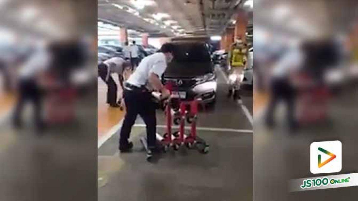 จอดรถแบบนี้ใครให้ใส่เกียร์ไว้เล่า เสียเวลาคนอื่นไหมถามใจดู?! (31/03/2020)