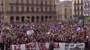 ชาวสเปนกว่า 35,000 คน รวมตัวประท้วง ปมตัดสินคดีล่วงละเมิดทางเพศ