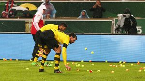 นี่ก็ประท้วง! คลิปมาดูวิธีการประท้วงของแฟนเสือเหลืองที่ทำให้นักบอลต้องเดือดร้อน