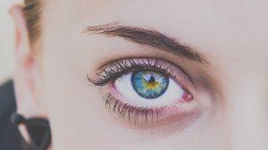 10 วิธี ปัดขนตาให้งอนสวย