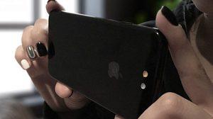 งานคอนเซ็ปต์ iPhone 8 ย้ายกล้องหลังไปอยู่ในโลโก้ Apple