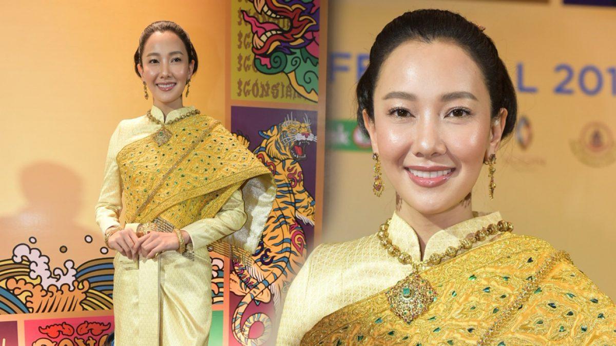 สวยทิ่มตา นุ่น วรนุช ในชุดไทยเลอค่ามาก