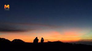 นักท่องเที่ยวพุ่ง รับลมหนาว 6 องศา ชมแสงแรกสีทองบนดอยอินทนนท์