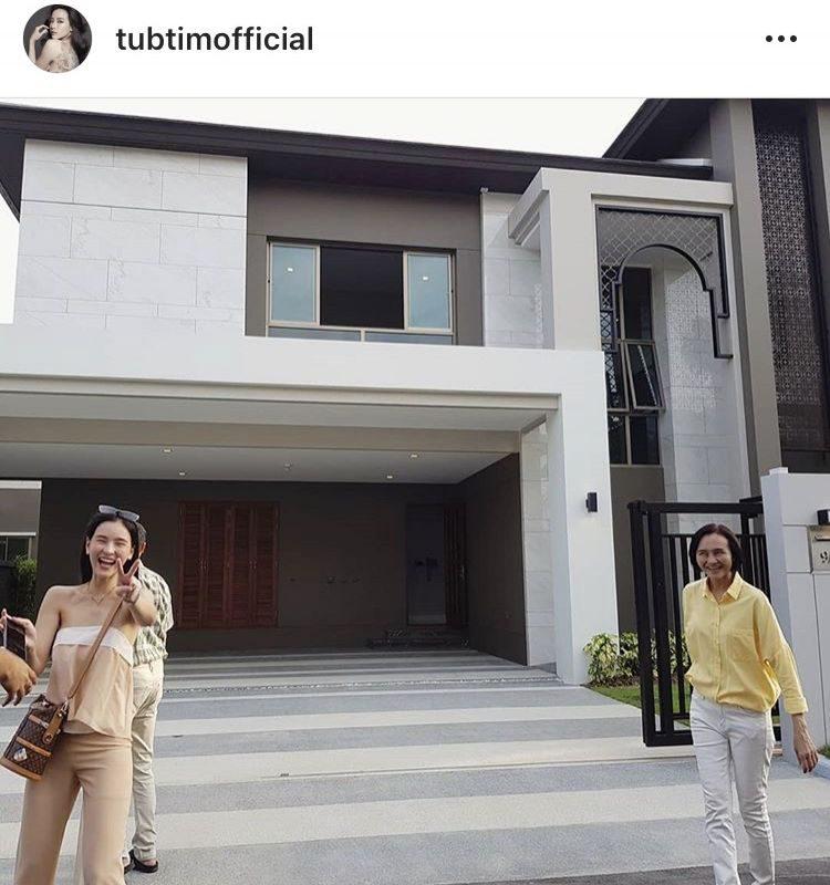 ออม สุชาร์ แฮปปี้ ซื้อบ้านใหม่ให้พ่อแม่