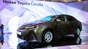 2017 Toyota Corolla Altis จ่อเปิดตัว 15 มี.ค. นี้ที่อินเดีย