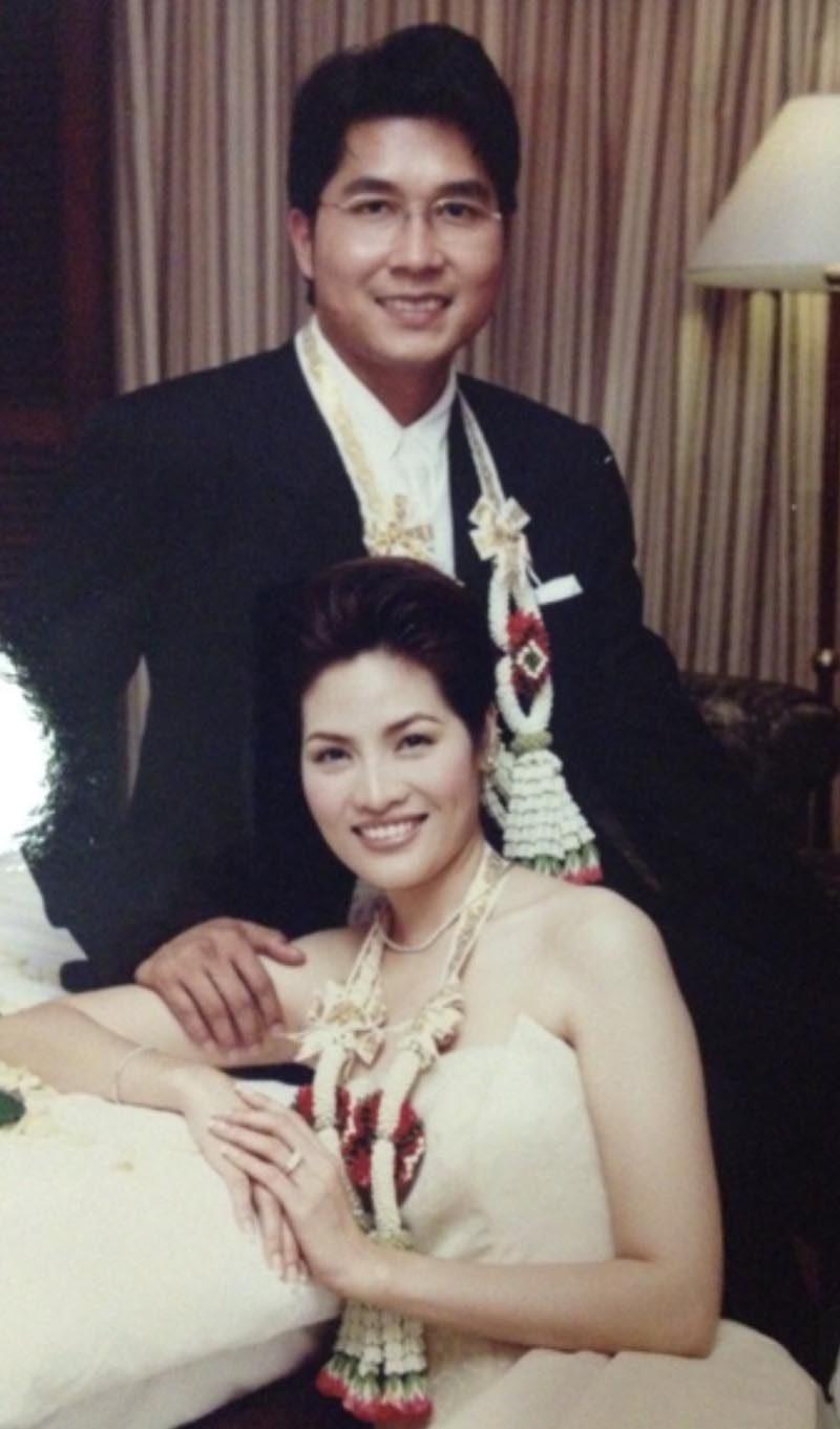 อร อรอนงค์ ตอนแต่งงาน