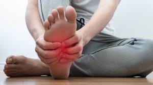 ข้อเท้าแพลง ต้องรู้!! 5 วิธีปฐมพยาบาลเบื้องต้น ลดอาการปวด บวม