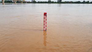 น้ำโขงเพิ่มระดับสูง น้ำท่วมบ้านเรือนราษฎร เส้นทางสัญจรถูกปิด !!
