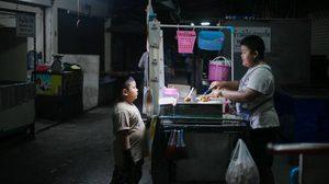 'น้องกิจ' เด็กน้อยวัย 14 ช่วยพ่อแม่ขายโตเกียวตั้งแต่ ป.1 เพียงแค่อยากเห็นท่านได้นอนสบายๆ