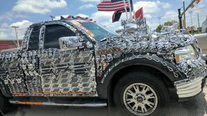 นอกจากคำว่าสุดยอด ยังมีคำไหนที่จะให้กับเจ้าของรถ Ford F-150 ที่มากับชุดแต่งโครเมี่ยมทั้งคันนี้อีกมั้ย?