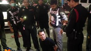 หนุ่มเมาล็อกคอตำรวจพัทยา ถูกจับอ้างทำงานสถานีข่าวดัง