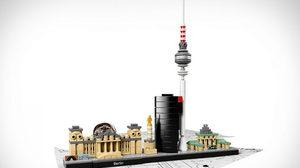 มาไกลมาก! ตัวต่อมหัศจรรย์ LEGO อลังการน่าสะสมเว่อร์