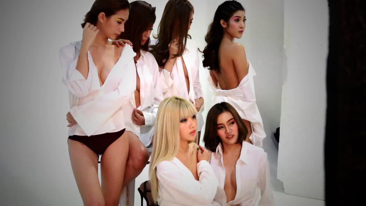12 สาวสวยจาก RUSH Sassy Club 2016 Issue 79