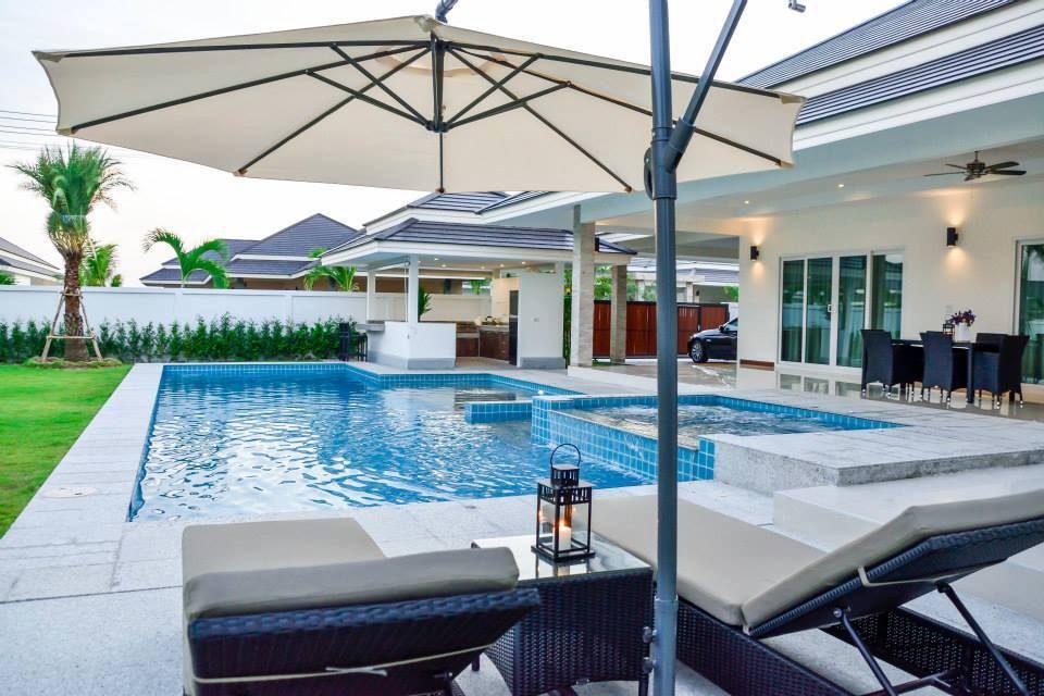 Glossy House Hua Hin Pool Villa + jacuzzi