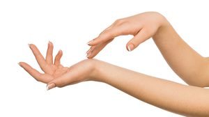ดูลายมือ คนได้คู่ดีแต่มีตำหนิเส้นลายมือจะเป็นแบบนี้