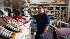 เปิดคลังแสง!! รองเท้าคอนเวิร์ส 700 คู่ ขุมทรัพย์แฟนพันธุ์แท้ อภิชิต วิวัฒน์เวคิน