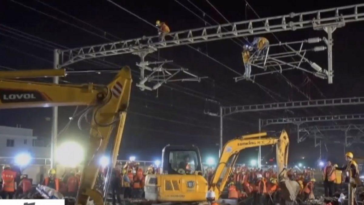 คนงานจีน 1,500 คน สร้างทางรถไฟเสร็จใน 9 ชม.