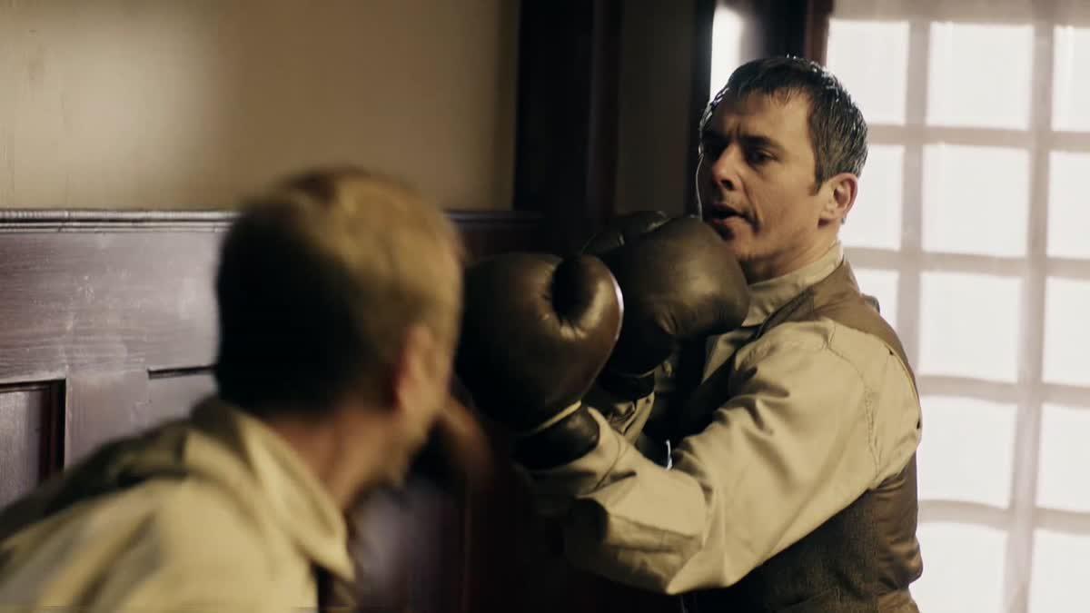 ฉากสอนเทคนิคการต่อสู้ จากซีรีส์ Sherlock Holmes ยอดนักสืบอัจฉริยะ