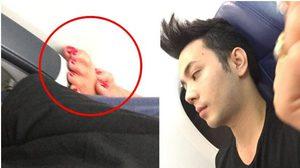ไร้มารยาท ! หนุ่มขึ้นเครื่องบิน แต่ดันเจอคนไทยด้วยกัน ยื่นเท้าพาดบนที่วางแขน