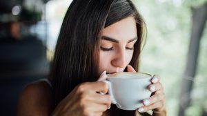 เช็คสุขภาพด้วย การรับรสอาหาร ปากมีรสหวาน เปรี้ยว เค็ม หรือไม่รู้รส มีแนวโน้มเป็นโรคอะไร?