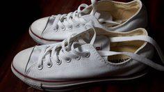 6 วิธีกำจัดกลิ่นเหม็นจากรองเท้าผ้าใบ