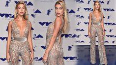 Hailey Baldwin ในชุดซีทรูแนบเนื้อ เปล่งออร่ากลางงาน MTV VMAs 2017