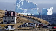 ก้อนน้ำแข็งขนาดมหึมา โผล่ชายฝั่งแคนาดา ใหญ่กว่าที่จมเรือไททานิคซะอีก!