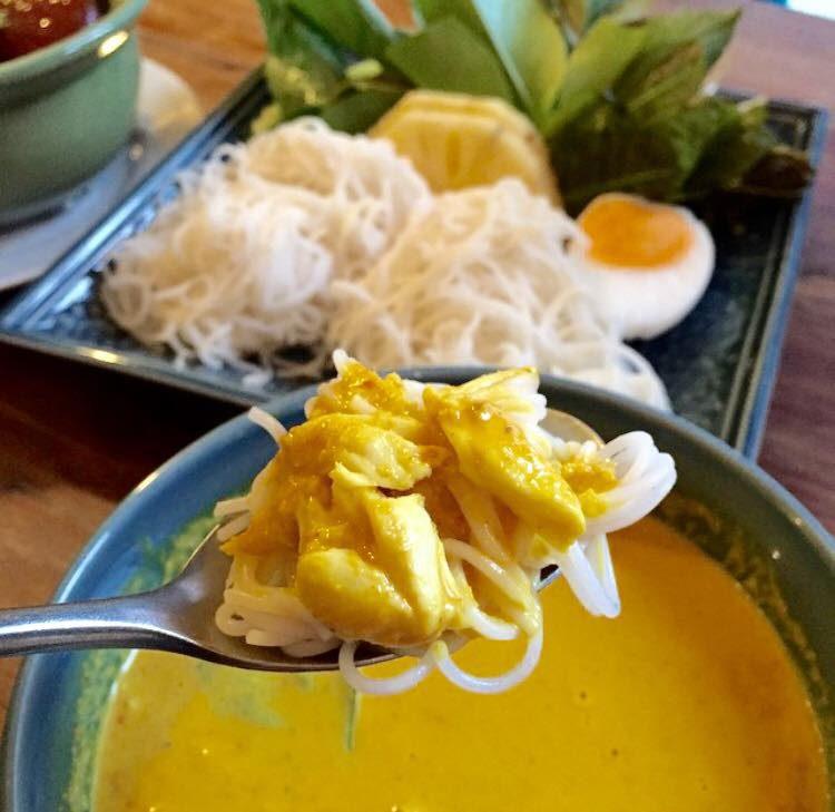 thai noodle crab