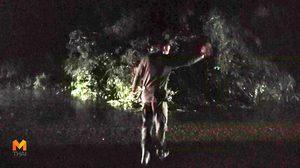 ชื่นชม! กลุ่ม นศท.เมืองคอน ช่วยกันตัดไม้ล้มขวางถนนท่ามกลางสายฝน เปิดจราจร